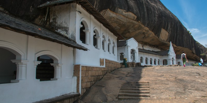 Rangiri Dambulla Cave Temple with Tropical Warehouse