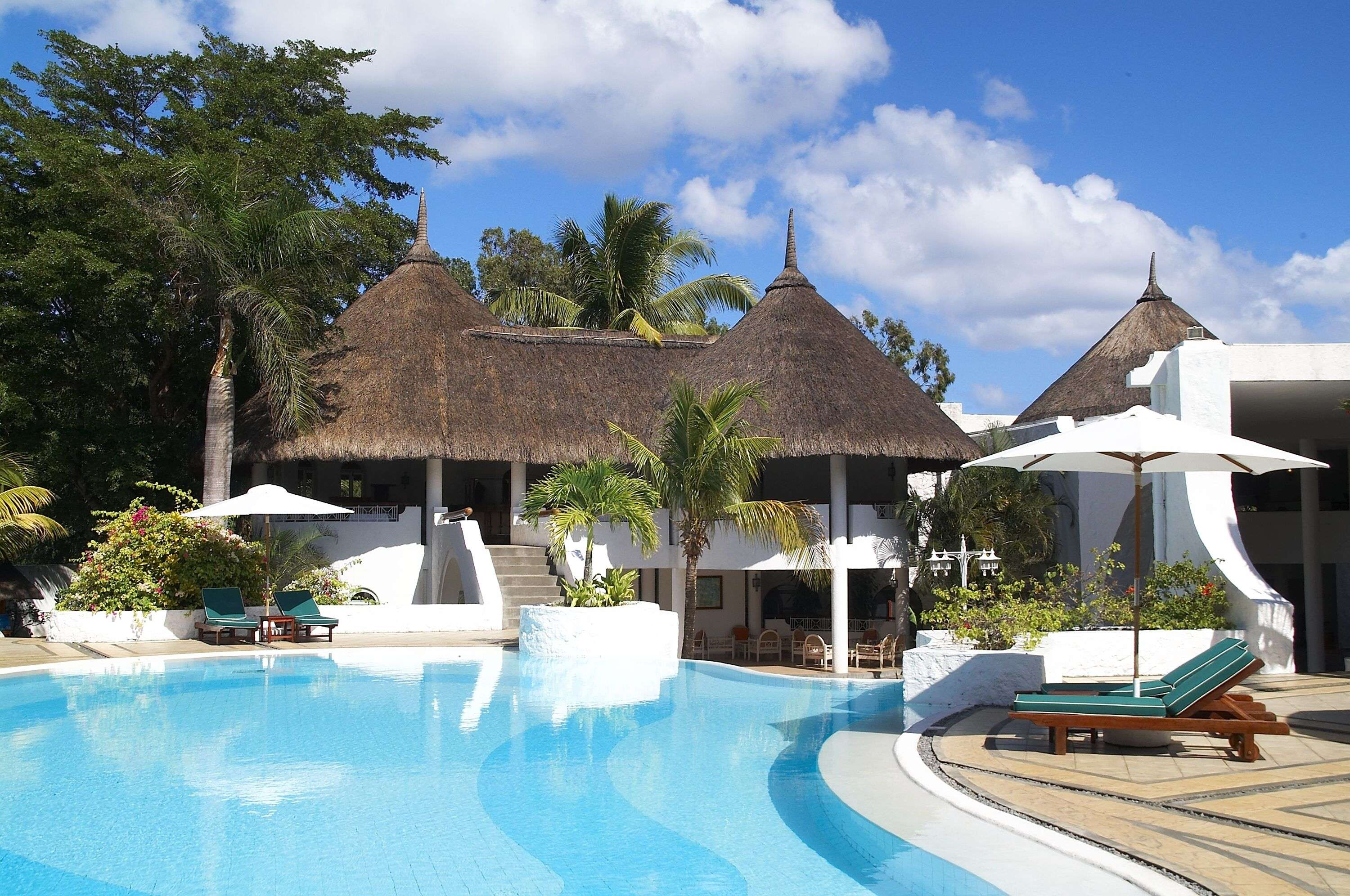 https://tropicalwarehouse.co.uk/holidays/mauritius/trou-aux-biches/casuarina-resort-spa-exclusive?blg