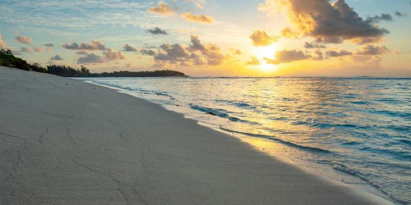 The ocean at sun rise