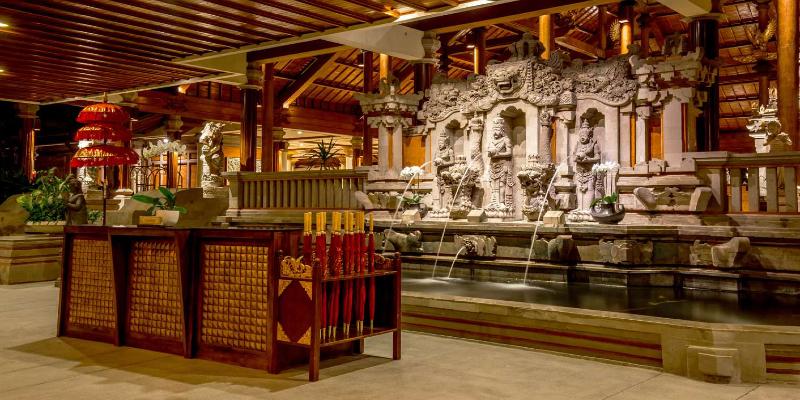 beautiful traditional Balinese decor