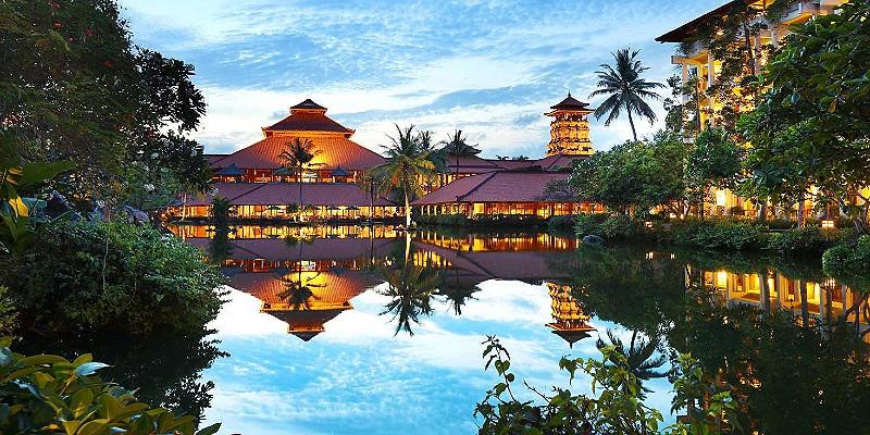 Ayodya Resort Bali in the evening