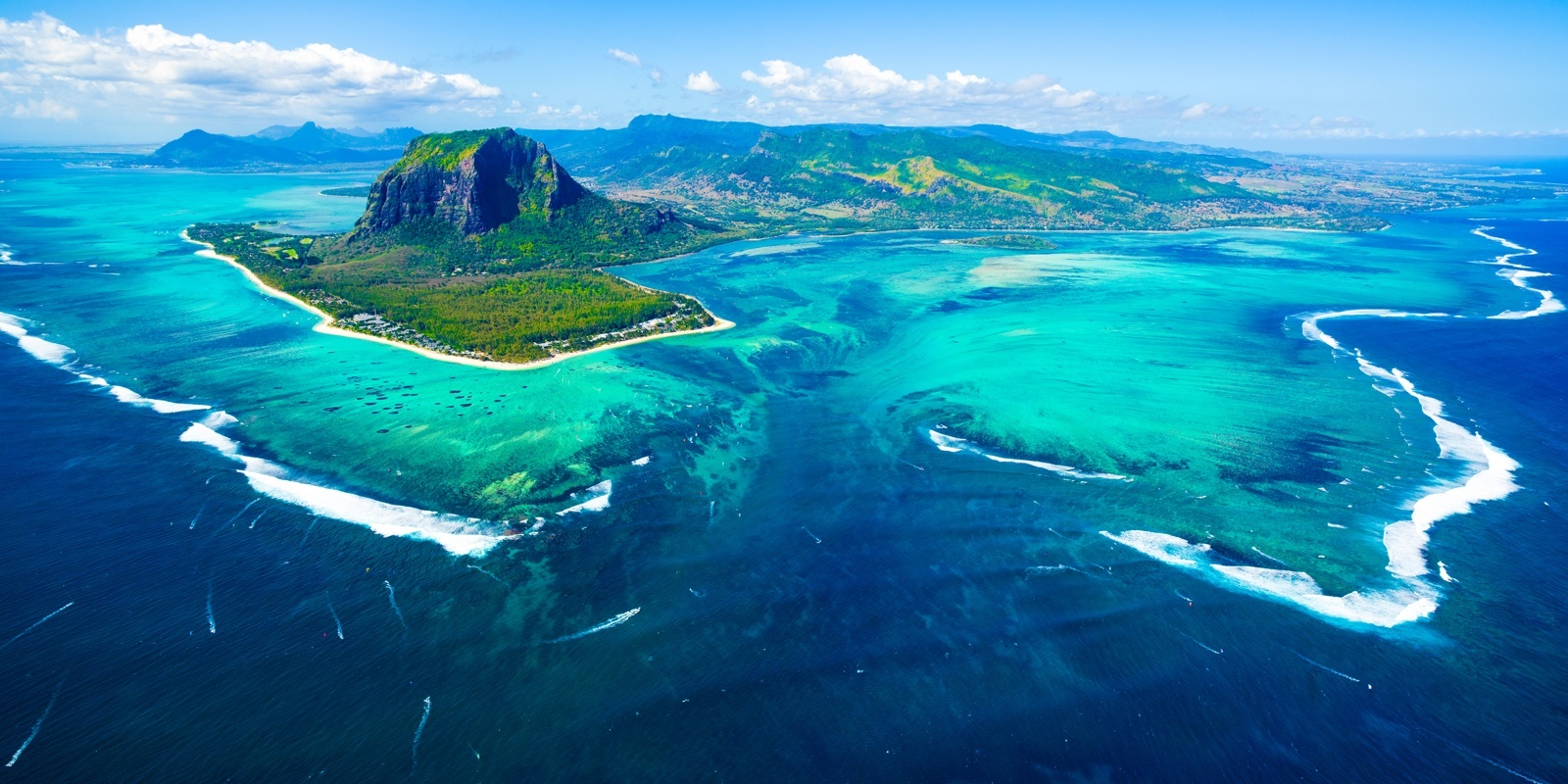 Travel blog: 12 Super Vivid Pictures Of Mauritius We Can't Take Our Eyes Off