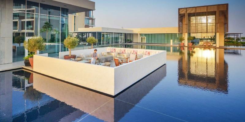 Floating bar at The Oberoi Resort Al Zorah