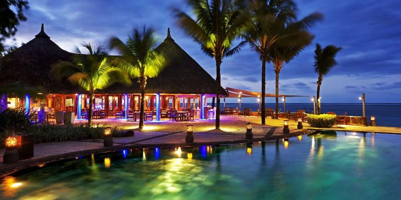 Restaurant at night at Heritage Awali Golf & Spa Resort