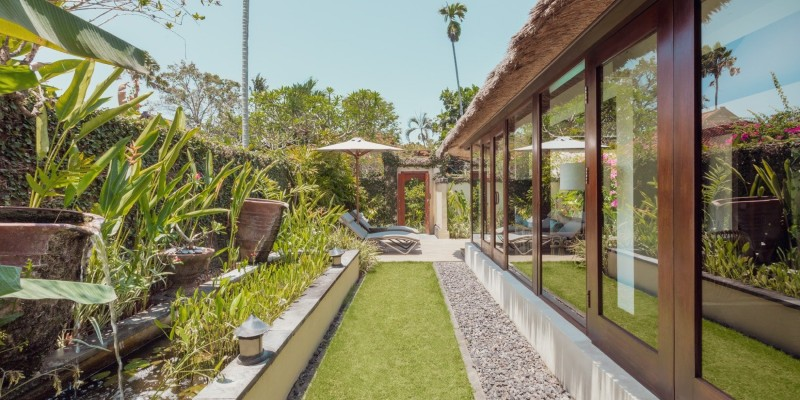 A lush garden area in the One Bedroom Pool Villa at The Pavilions Bali