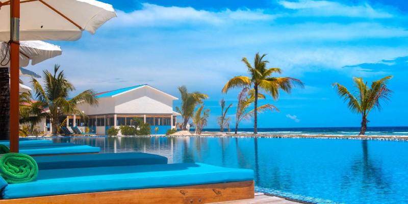 the main pool at South Palm Resort, Maldives