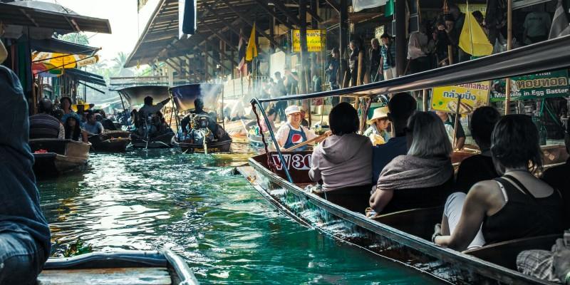 The Damnoen Saduak floating market in Thailand