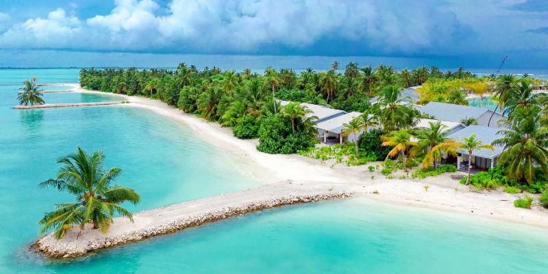 Sandy shores at Rahaa Resort