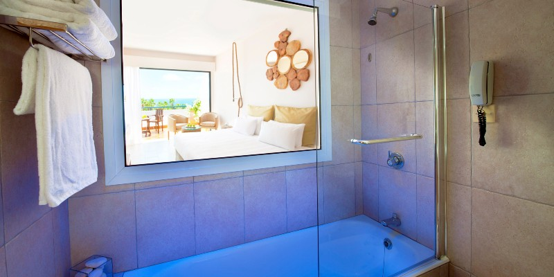 The bathroom in a sea view room